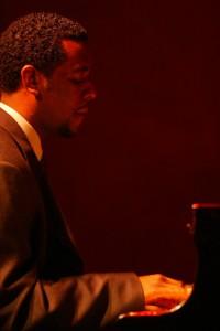 john heard trio vibrato jn. 14,2004